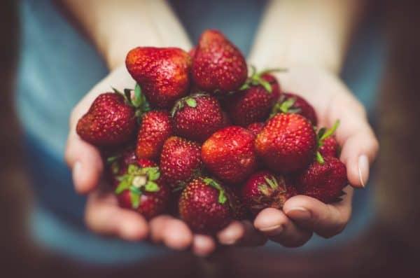 Unverpackte Lebensmittel helfen nicht nur der Umwelt sondern auch deinem Körper! FEMNA zeigt dir, was du sonst noch für deinen Körper tun kannst.