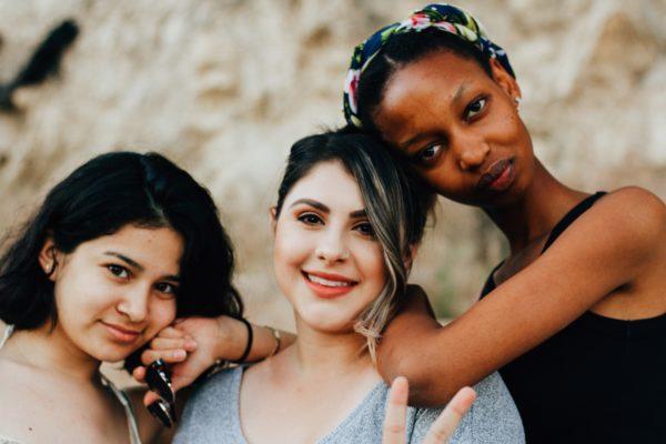 PCOS kann mehrere Ursachen haben. FEMNA kann dich unterstützen sie zu finden.